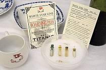 Více než 5000 předmětů vyzvednutých z vraku Titaniku bude dáno do aukce v New Yorku, a to 15. dubna příštího roku, tedy přesně sto let po tragédii.