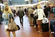 Bouře v severním Německu vedla k přerušení dopravy i letů
