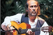 KRÁL KYTAR. Paco de Lucía připravil pražskému publiku opojný koktejl z flamenca, jazzu, latiny i klasiky.