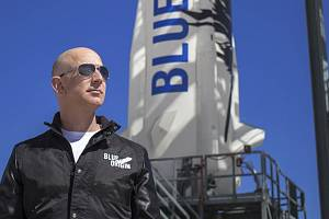 Jeff Bezos poletí do vesmíru