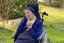 Sestra Andrée, občanským jménem Lucile Randon, je nejstarší žijící Evropankou. Před svými 117. narozeninami dokonce vyhrála boj s koronavirovou nákazou.