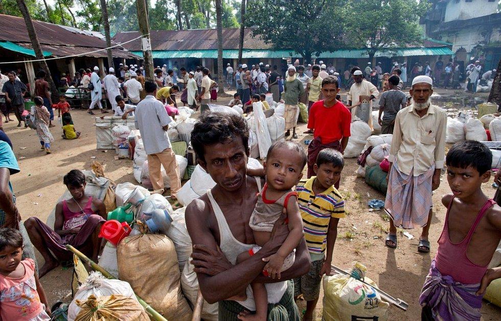 Zvěrstva proti Rohingyům v Myanmaru (Barmě)