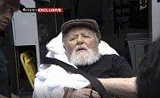 Bývalý ukrajinský dozorce z koncentračního tábora Jakiw Palij byl dopraven do Německa