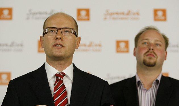 Tisková konference při krajských volbách vsídle ČSSD. Bohuslav Sobotka a Jeroným Tejc.