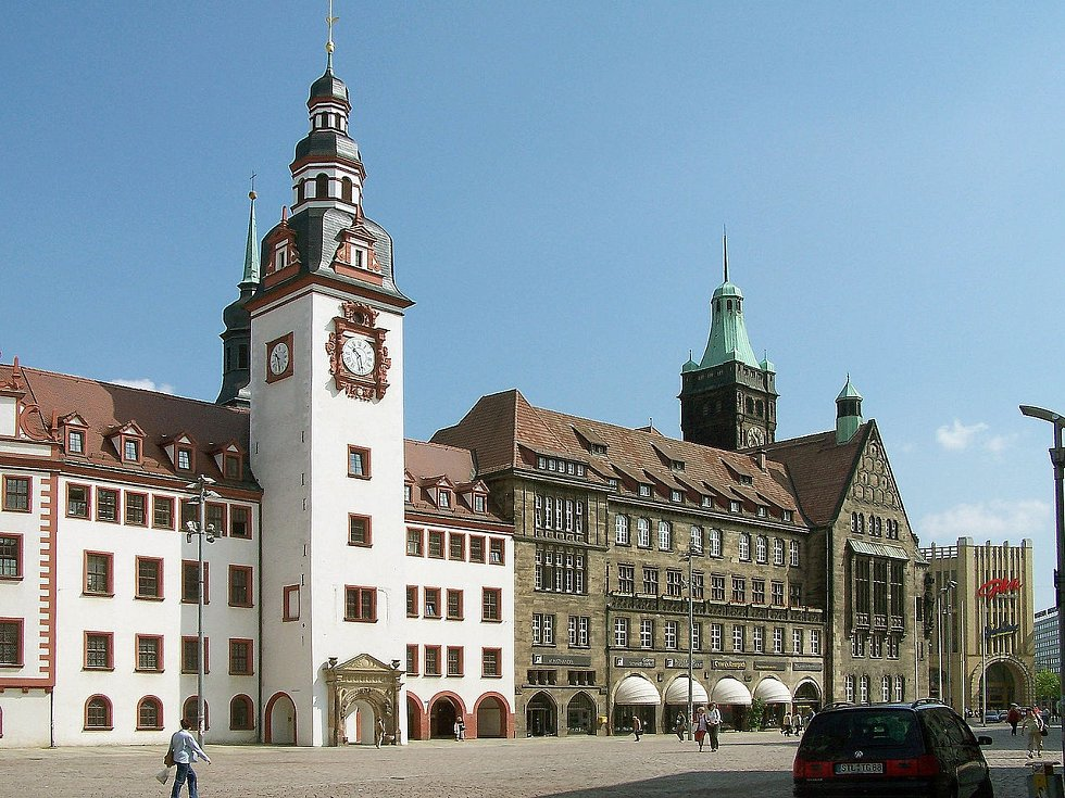 Stará a nová radnice v Chemnitzu