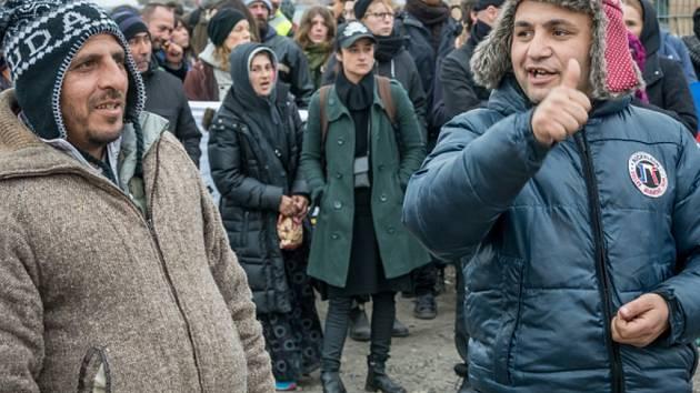 Švédsko hlásí rekordní počet uprchlíků za jediný týden, počet žadatelů o azyl přesáhl za uplynulých sedm dní hranici 10.000.