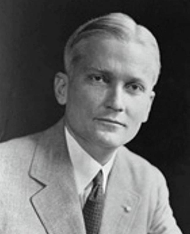 Objevitel Machu Picchu Hiram Bingham ve 20. letech 20. století, kdy se živil jako politik.