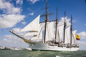 Čtyřstožárová školní plachetnice španělského námořnictva Juan Sebastian de Elcano