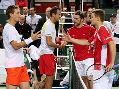 Aktéři nejdelšího zápasu v historii Davisova poháru Tomáš Berdych, Lukas Rosol, Stanislas Wawrinka a Marco Chiudinelli.