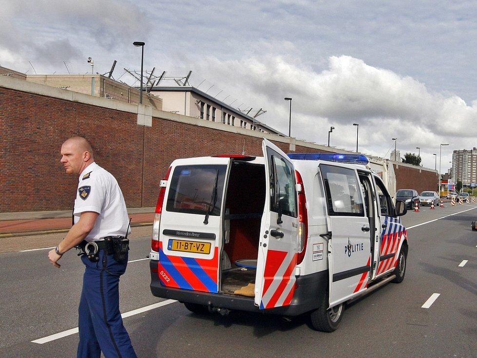 Věznice Scheveningen mezinárodního tribunálu v Haagu.