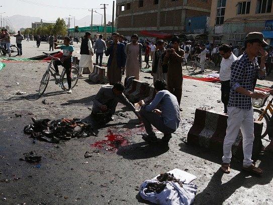 Sebevražedný útok v Kábulu si vyžádal nejméně 80 mrtvých