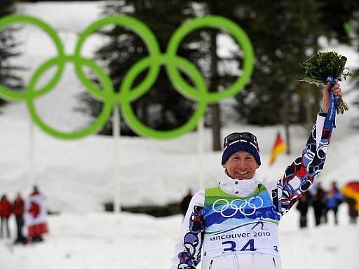 Lukáš Bauer vybojoval v závodu na 15 km volně olympijský bronz.