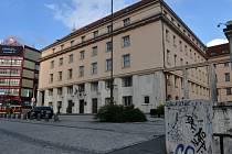 Budova ministerstva zdravotnictví v Praze na Palackého náměstí.