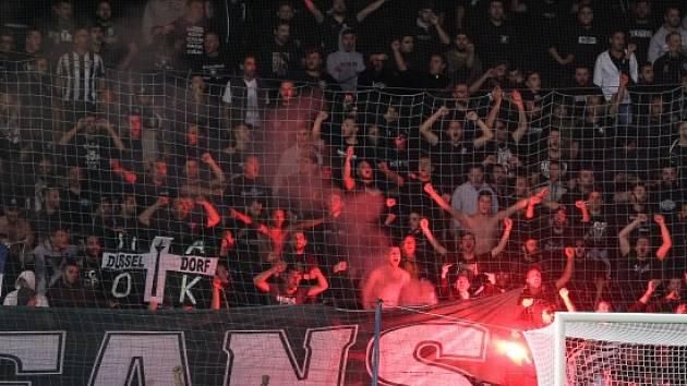 Fanoušci PAOKu při zápase v Liberci.