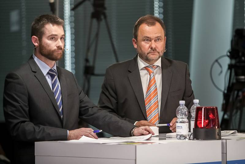 Předvolební debata Deníku: moderátoři Petr Koděra (vlevo) a Roman Gallo