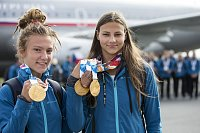 Medaile už jsou doma. Sportovci se vrátili z Olympijských her mládeže