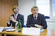 Premiér Andrej Babiš (vpravo) a ministr zdravotnictví Adam Vojtěch.