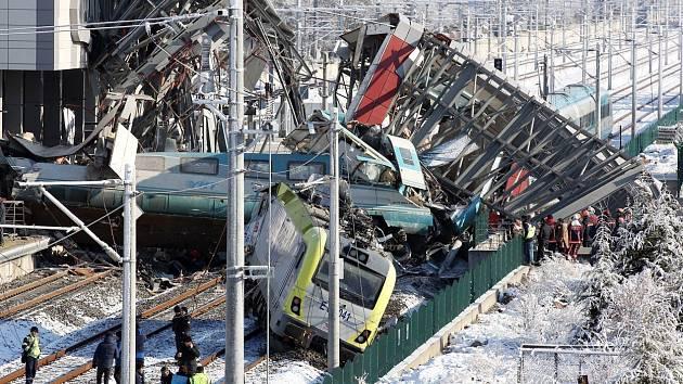 Nehoda rychlovlaku v turecké Ankaře