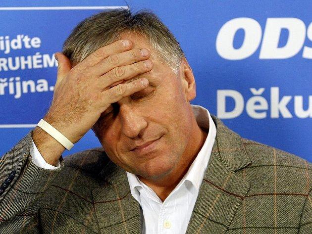 Předseda ODS Mirek Topolánek bude čelit hlasování o nedůvěře vládě.