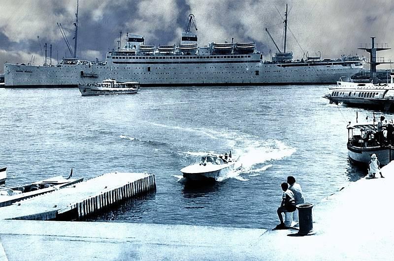 Loď v roce 1965, tentokrát už plující pod názvem Admiral Nachimov