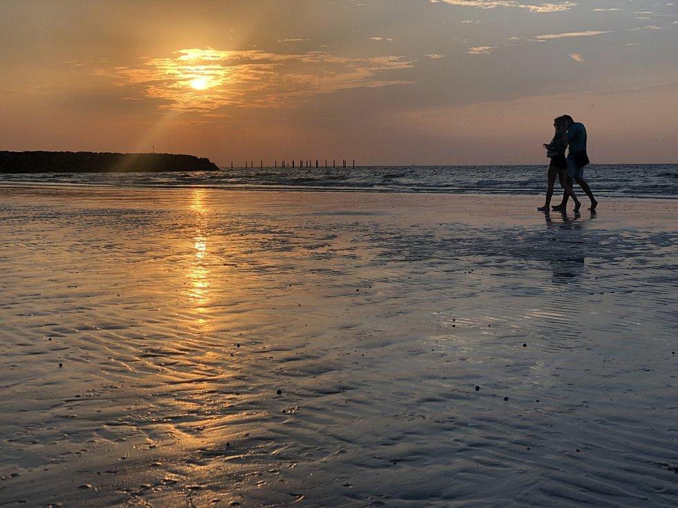 Romantické pláže si Češi nenechali ujít