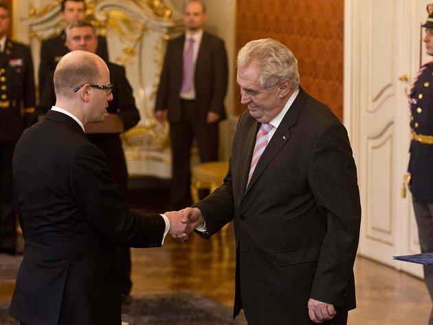 Prezident Miloš Zeman jmenoval 17. ledna na Pražském hradě Bohuslava Sobotku premiérem.