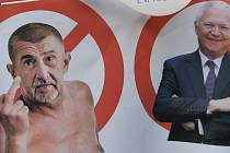 Transparent z demonstrace proti Andreji Babišovi