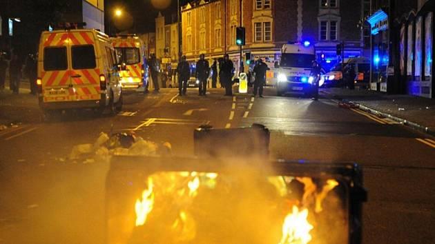 Kvůli násilnostem v Londýně bylo zrušeno přípravné fotbalové utkání mezi Anglií a Nizozemskem.