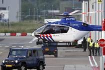 Vrtulník s obžalovaným Ratko Mladićem přistál na letišti v Rotterdamu