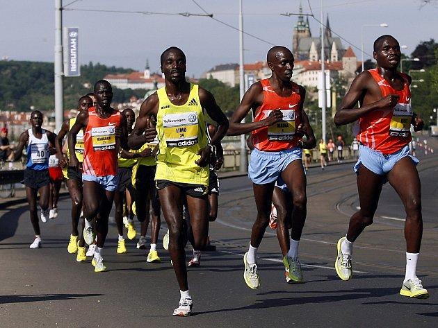 Centrem Prahy se v neděli běžel 15. ročník Pražského mezinárodního maratonu.