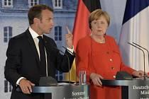 Francouzský prezident Emmanuel Macron a německá kancléřka Angela Merkelová.