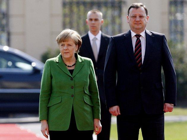 Premiér Petr Nečas uvítal v Praze německou spolkovou kancléřku Angelu Merkelovou.