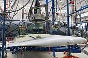 Zkouška pevnosti na prototypu L39NG se značením 7002 - VZLÚ Kbely a Aero Vodochody  17.července.