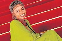 AFRICKÁ STÁLICE. Jméno na postu hlavní hvězdy zůstává nezměněno, zazpívá malijská diva Oumou Sangaré.