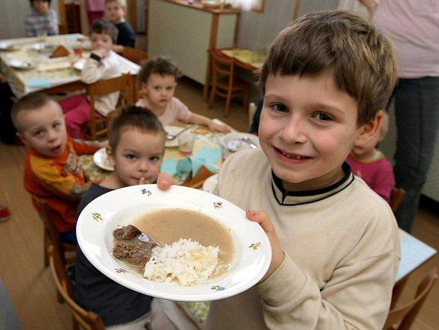 Školní stravování na reformu teprve čeká