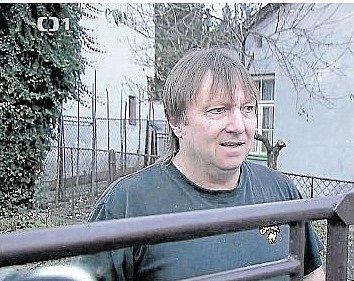 MLČÍ. Petr Valouch v reportáži České televize.