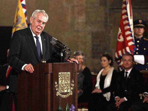 Miloš Zeman při předávání státních vyznamenání 28. října
