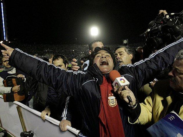 Diego Maradona v extázi.