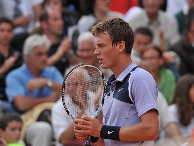 Tomáš Berdych prohrál ve druhém kole French Open s domácím LLodrou.