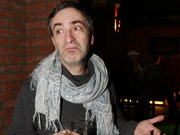 Petr Vacek patří kdlouholetým hereckým oporám pražské Ypsilonky.