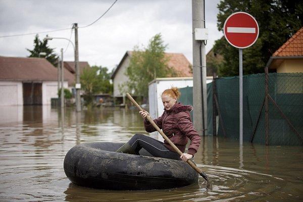 Záplavy ve Středočeském kraji  - Zálezlice.