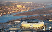 Rostov Arena (Rostov na Donu, 43 702 diváků). Na levém břehu řeky Don byl vybudován stadion, který má nenásilně zapadnout do prostředí města a připomínat meandry jednoho z velkých evropských toků. Zároveň zde vznikne nové centrum.