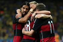 Fotbalisté Německa zničili v semifinále Brazilce sedmi góly.