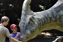 Model druhohorního býložravého parasaurolophuse ve vyškovském Dinoparku.