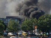 Nejméně šest lidí přišlo o život a více než tři desítky dalších byly podle bulharských úřadů zraněny při dnešním bombovém útoku na autobus s izraelskými turisty na letišti v bulharském černomořském letovisku Burgas.