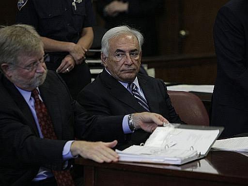 Obviněný Strauss-Kahn u soudu