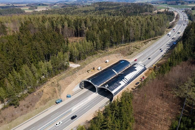 D1 je nejstarší, nejdelší a nejvytíženější dálnicí v republice