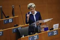 Předsedkyně Evropské komise Ursula von der Leyenová na schůzi Evropského parlamentu 16. prosince 2020.