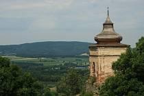 Od zvonice lipnického hradu je krásný výhled do kraje.