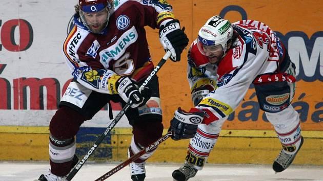 Uspějí sparťané v domácím souboji s Pardubicemi?